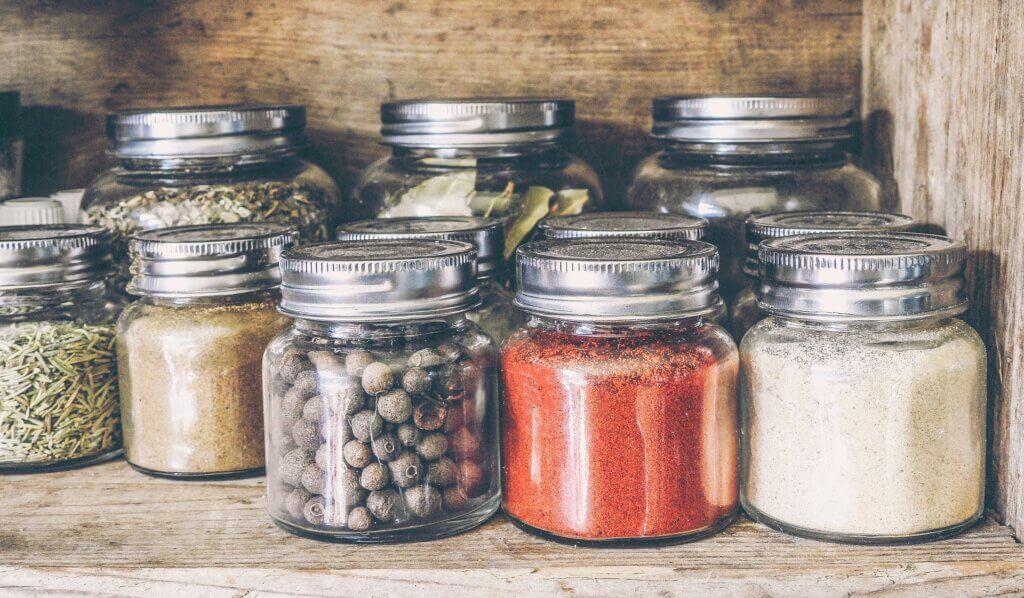 Claves para organizar tu cocina con 5 accesorios